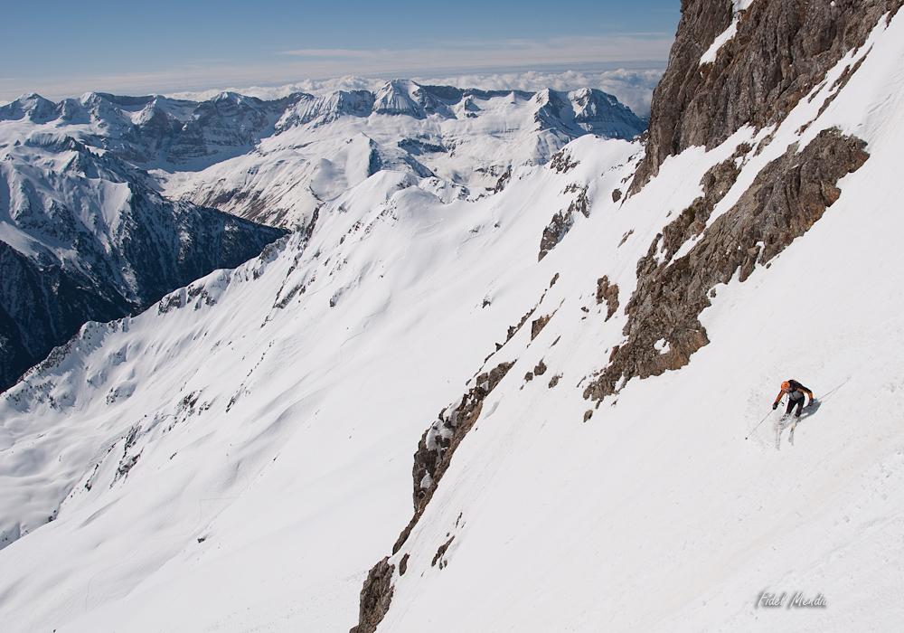 descenso corredor sur Garmo Negro 18