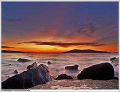 Cahaya matahari terbenam (sam4605) Tags: sunset seascape landscape ed ray olympus malaysia photomerge e1 sabah sunray pantai ums zd sabahborneo universitimalaysiasabah sam4605 144mmm