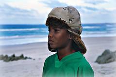 yemen - socotra 2007- Hadibu - spiaggia di Qalansia - in Explore 01/05/10 #486 (anton.it) Tags: verde beautiful face canon mare child shot photos photographers cielo yemen colori viaggio cappello bambino fotografare volto socotra flickraward hadibu theauthorsplaza antonit