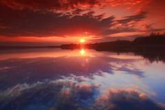 Sunset Rays (maciej.ka) Tags: sunset lake poland polska pole lan polen ba zachd pologne zachod  polsko wielkopolska  zachodslonca puola poloni  polnia poljska  polandia   polishlandscape dolsk   lakeatsunset