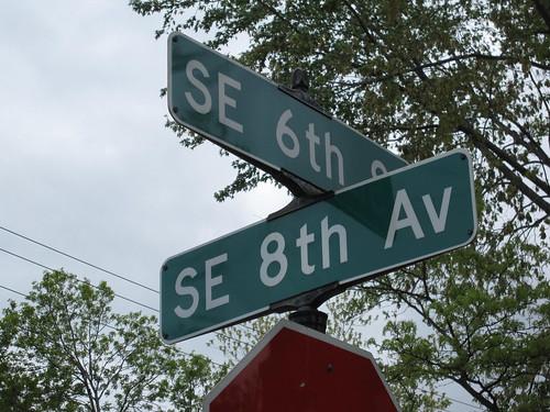 6th St SE at 8th Ave SE