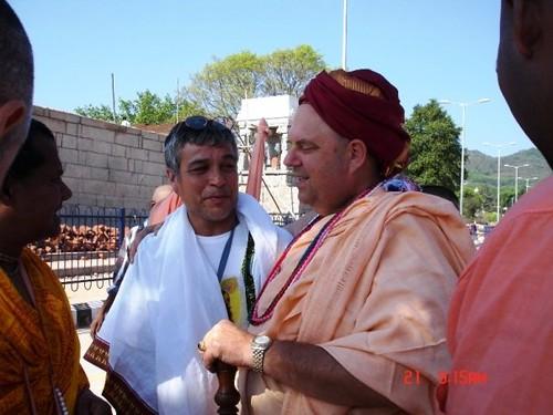 H H Jayapataka Swami in Tirupati 2006 - 0005 por ISKCON desire  tree.