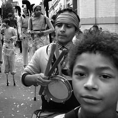Zinneke 2010 < Mendeljefkes ¬ 7952 (Lieven SOETE) Tags: street city brussels people urban music art festival kid child belgium belgique young belgië diversity bruxelles social parade belgica journalism 2010 reportage periodismo zinneke giornalismo intercultural journalisme reportaje heyvaert diversité zinnekeparade zinnekesparade curieus репортаж fanfakids metx صحافة interculturel журналистика belgiën socioartistic 新闻学 curieusbrussel ジャーナリズム diversitž mendeleieveke mendeljefke ルポルタージュ 报告文学 ريبورتاج