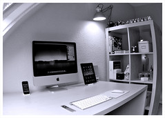 The System Attic | June 2010 (purplelime) Tags: apple droplets imac homeoffice macs jamfactory ipad iphone3g thesystemattic