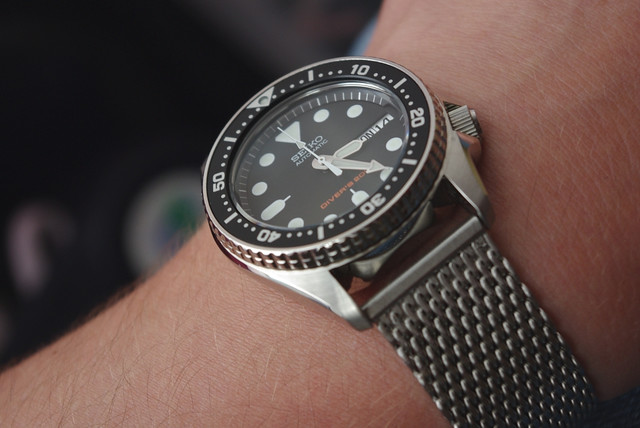 seiko skx013 my mid size diver the dive watch connection