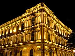 Luces por favor. (Evaly**) Tags: city castle lights luces europa europe hungary budapest ciudad nocturna schloss magyar castillo hungría nocturn
