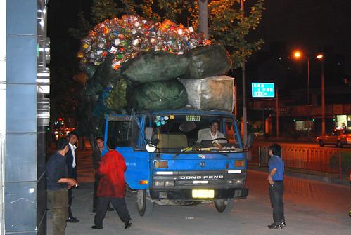 m169 - Big Load on Xincun Road Sidewalk