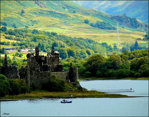 Kilchurn castle, Scotland highlands by jackfre2 (away on vacation for 15 days)