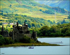 Kilchurn castle, Scotland highlands (jackfre2) Tags: trees mountains castle water scotland boat highlands scottish glen hills fields loch causeway lochawe argyllandbute kilchurn kilchurncastle mygearandmepremium mygearandmebronze mygearandmesilver tplringexcellence