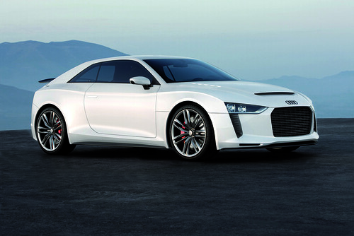 Audi quattro concept side view
