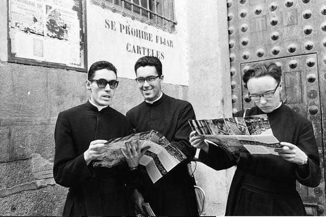 Seminaristas en Toledo en septiembre de 1962. Fotografía de Harry Weber. Österreichische Nationalbibliothek