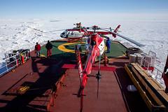 Campagne d'été 2009/2010, préparation des helicoptères pour R0, Terre Adélie