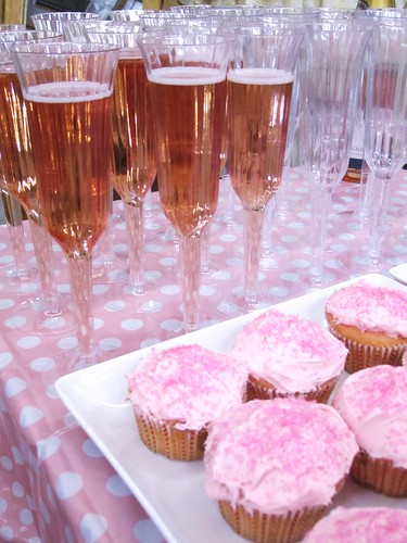 day 301: pink champagne & cupcakes