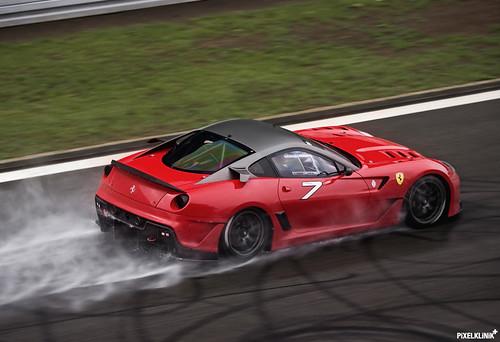 Ferrari 599XX by Pixelklinik
