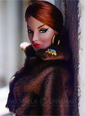 Eugenia (Michaela Unbehau Photography) Tags: integrity toys eugenia perrin decorum outfit nata macgregor httpwwwebaydeusrhautecouture4dolls fashion royalty fr fr2 portrait redhead fur fakefur michaela unbehau fahiondoll doll dolls fashiondoll toy photography mannequin model mode puppe fotografie
