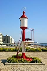 No farol da Boa Nova... (vmribeiro.net) Tags: geo:lat=4120115560 geo:lon=871222526 geotagged matosinhos portugal prt ródão porto farol leça leca palmeira boa nova lighthouse sony a350