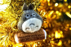 totoro in the gold tree forest (bunbunlife) Tags: christmas morning house macro tree home gold phone glory cell charm plush gift tinsel totoro zakka