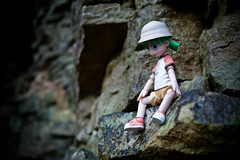 Yotsuba - Scared of Heights (ninja-girl) Tags: toy toys rocks vertigo yotsuba revoltech