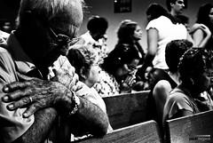 F (Paulo Nogarol) Tags: blakandwhite church pb igreja priest reza pretoebranco orao velhinhos idosos