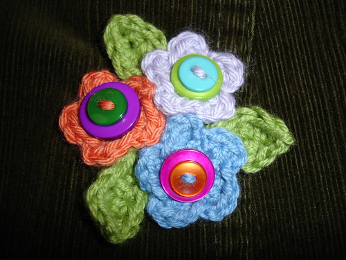 teeny tiny flower brooch (5)
