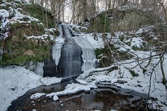 10/365 After the big freeze... (Ghiribizzo) Tags: ice waterfall melting fife slush kemback
