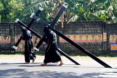 Asia - Philippines / Crucifixion (RURO photography) Tags: wow easter pain blood asia christ cross asahi religion jesus christian pi barefoot asie devotee painfull suffering crucifixion masochist filipinas bloed goodfriday forgiveness pampanga philippinen crucify jezus azi penitent descalzos masochism pijn penitencia crucis scalzi crocifissione descalzas kruisiging  filippijnen penitensiya flagellate kreuzigung filippine descalo piedsnus flagellants crucificao crucifixin penitensya piedinudi descalas teampilipinas crucifixo ukrzyowanie  crucifiement photosick crucificarea zelfverminking zelfkastijding reportagepeople   filipsoyggjar prayingtogod   crucifictionphilippine sufferingofjesus sufferingofjezus philippinescrucifiction