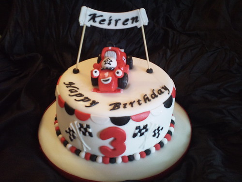 Roary the race car cake