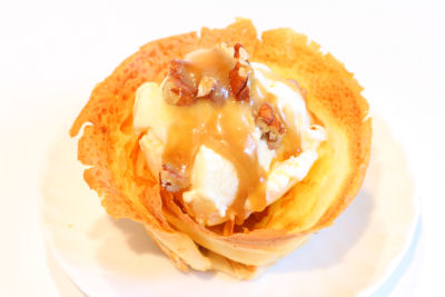 baked pancake with vanilla ice cream  7397 R