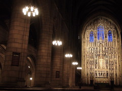 Lee Lawrie: Reredos and Statues at St. Thomas Church in New York (Gustavo Thomas) Tags: sculpture usa ny newyork architecture buildings arquitectura edificios churches escultura temples templos iglesias 1906 stthomaschurch 1913 leelawrie eeuu retablo reredos ralphadamscram bertramgrosvenorgoodhue episcopalparishchurch frenchhighgothicstyle