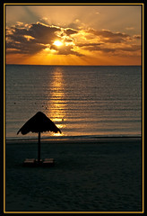 Sunrise off balony this morning (Don Randall.) Tags: sun beach mexico mexicanriviera nikond300