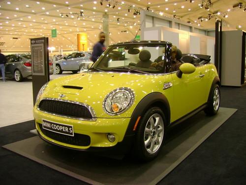 2010 Mini Cooper S .