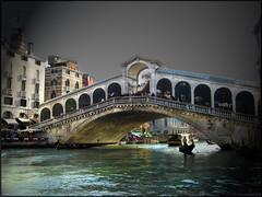 Venecia (bnegrita) Tags: luces mar arquitectura agua italia ciudad bella vistas venecia vacaciones sombras arcos resplandor gondolin