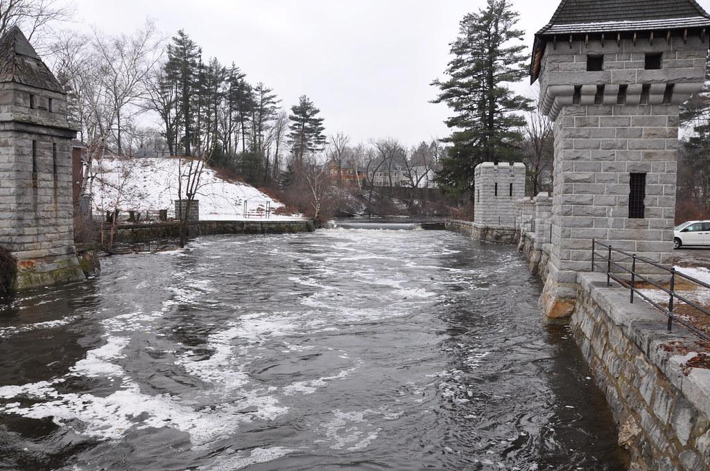 2010-02-28 - spicket flood level 082
