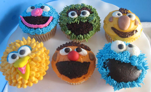 Luna's sesame street cupcakes