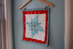 DQS8 (Tiny House) Tags: red aqua quilt handquilted fleamarketfancy dollquiltswap
