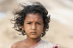 Inde - Gujarat -  (jmboyer) Tags: voyage travel portrait people india tourism colors face portraits canon photography photo yahoo eyes asia flickr colours faces photos expression couleurs picture tribal viajes planet lonely asie lonelyplanet tribe monde ethnic minority couleur tribo gettyimages gujarat tourisme visage inde reportage nationalgeographic tribu  minorities travelphotography googleimage  go darck indiatourism colorsofindia incredibleindia indedunord indedusud canonfrance earthasia imagesgoogle jmboyer img3054dxo northemindia