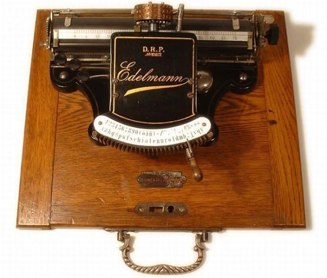 typewriter_16