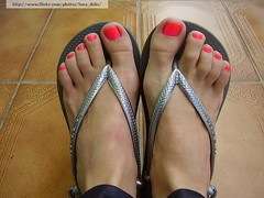 Rosa Choque (Ludurana) (Luna (Debs)) Tags: pink feet neon rosa ps nailpolish esmalte rosachoque ludurana