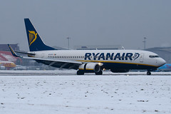 EI-DYY - 37521 - Ryanair - Boeing 737-8AS - Luton - 091221 - Steven Gray - IMG_5586
