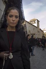 La camarera de las Maravillas (+ dentro) (labuelo) Tags: santa mujer san pablo pedro alhambra granada semana 2010 camarera maravillas mantilla procesin peineta baldo sentencia labuelo