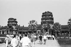 cambodia, angkor wat front gate