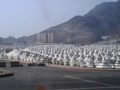 tents in mina (Makkah Trip) Tags: history tour muslim islam faith tent study mina madina jeddah sour allah historicplace haj hajj umra prophetmuhammad kig madeena makkha sourhill keralaislamicgroup zourhill historystudytour