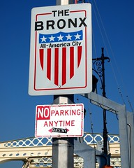 Welcome to THE BRONX - NO PARKING ANYTIME Sign (jag9889) Tags: county city nyc bridge ny newyork sign puente crossing bronx parking bridges ponte american pont borough welcome brcke entry harlemriver allamericacity macombsdam y2010 jag9889
