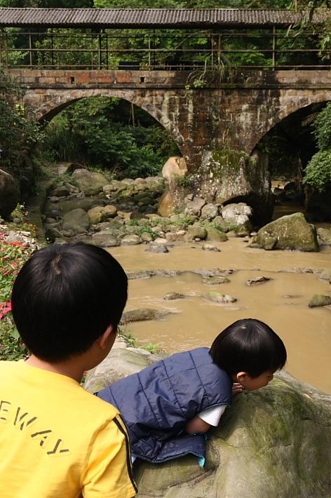 橫山大山背石拱糯米橋0003
