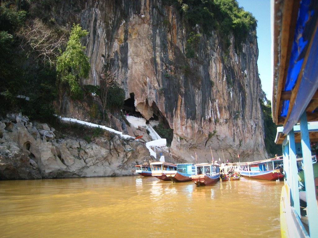 Aux grottes de Pak Ou