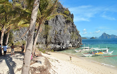 Island Hopping - Green Trees, Blue Skies (This World Rocks) Tags: favorite beach philippines el palmtrees nido elnido islandhopping palawan palawanisland pcp2011