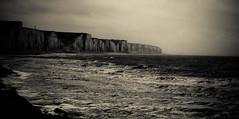 Ault - Onival (e.v.r.i.e.l) Tags: sea cliff mer france beach landscape coast europe noiretblanc pentax north coastline paysage falaise plage nord k10 picardie ault somme k10d