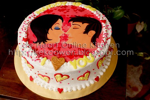 Cake Kissing