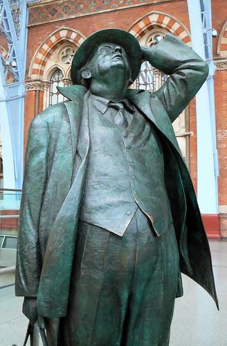 Sir John at St Pancras (4)
