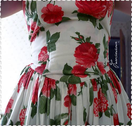 szafiarka, blog szafiarski, flowers, sukienk w kwiaty, retro, vintage, lata 50